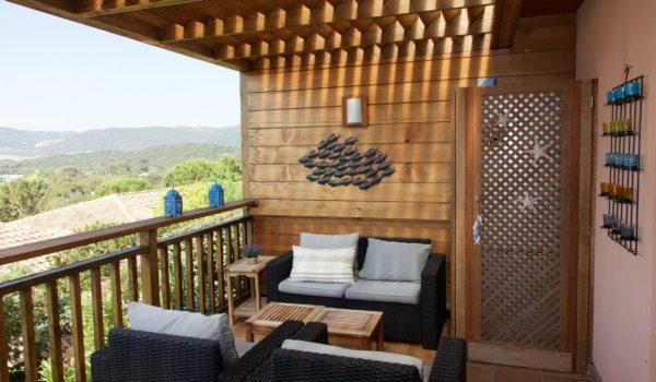 Le salon de la terrasse vu de côté